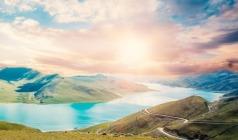 (直飞拉萨)【邂逅双湖】布达拉宫、林芝鲁朗林海、船游雅尼湿地、雅鲁藏布大峡谷、羊卓雍措双飞7日游